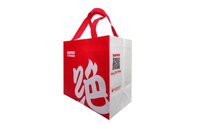 外卖包装袋正悄无声息的由无纺布袋代替